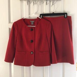 Vguc Ann Taylor dark red skirt suit